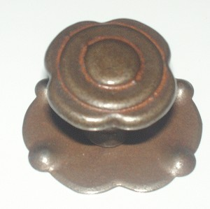 3421.A.O. French iron cabinet knob & rose rust finish