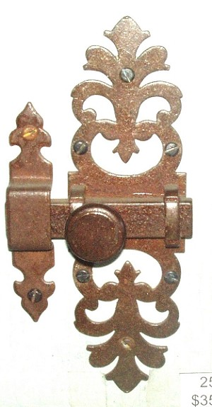 VAN-2530 RO French Cabinet Latch Antique Iron Rust